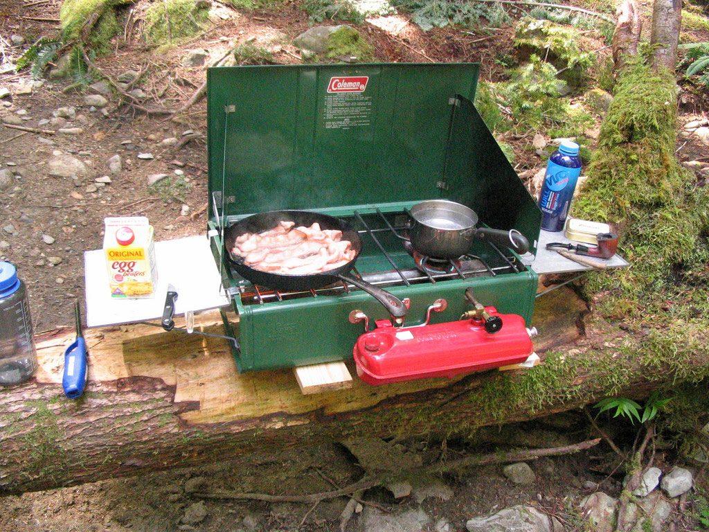 Coleman 2 burner stove