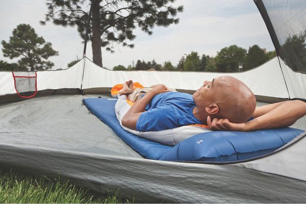 Best Self Inflating Sleeping Pad For Camping – Get A Good Nights Sleep!